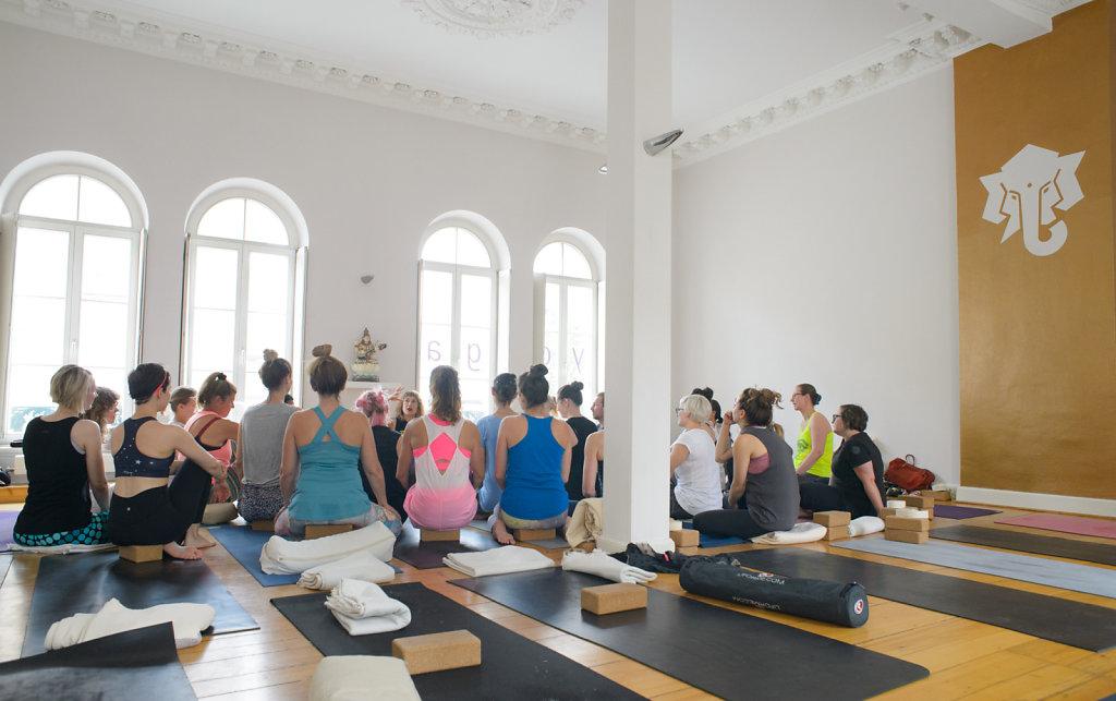 AC/ Laughing Lotus NYC/ KarmaKarma Yoga, Düsseldorf/ 2018